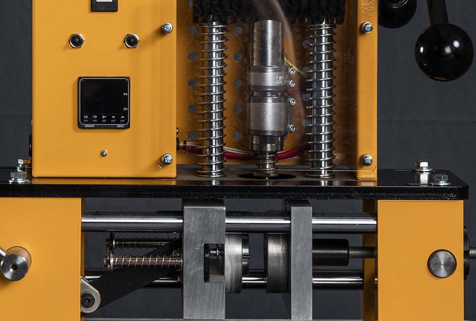 25 Injection Moulding Machine - C R Clarke & Co C R Clarke & Co